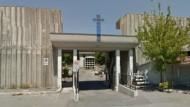 Giovane donna chiusa nel Cimitero di Aprilia