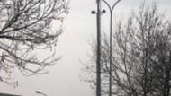 Antenna nel parcheggio dei vigili urbani