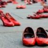 Scarpette rosse in Piazza Roma