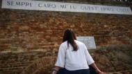 Giovane poetessa apriliana vince le Gare Leopardiane su Facebook