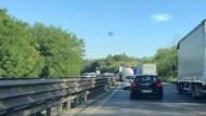 Pontina: due incidenti provocano traffico e disagi già dall'alba.