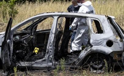 Ritrovati ieri due corpi carbonizzati in un'auto a Torvaianica.