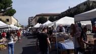 Questa domenica nuovo appuntamento con il mercatino in Piazza Roma.