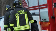 Aprilia, nella notte a fuoco due bus nel deposito comunale: si indaga.
