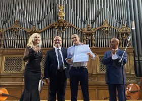 """""""Alla ricerca della vita"""", premio internazionale per l'apriliano Simone Marchetti."""