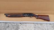 Latina, armi e munizioni detenute illegalmente: fermato un uomo.