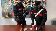 Aprilia, arrestato pusher 23enne armato di mazza da baseball.