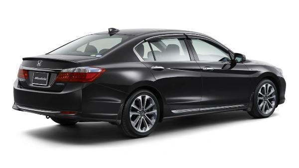 413517_7445_xl_2013-Honda-Accord-Hybrid-71