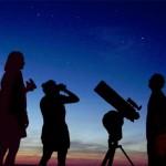 Genitori e alunni alla Gramsci ad osservar le stelle…