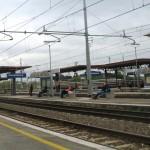 20enne muore sotto il treno a Campoleone