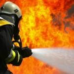Auto rubata in fiamme