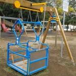 Parco Manaresi: altalena per disabili di nuovo funzionante