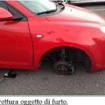 Tentano di rubare pneumatici da un'auto