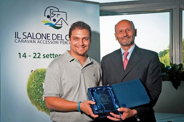 """Salone del Camper 2013: Project 2000 vince il """"Salone del Camper Award"""", nella categoria """"Accessori & Componenti"""" con l'innovativo letto multifunzione modello 12658."""