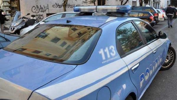 Auto polizia Cisterna