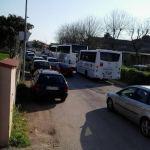 Via Callas: caos durante gli orari scolastici
