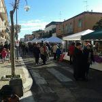 """Via Oleandri; è partita la manifestazione """"Il Centro di Natale"""""""