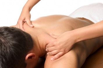 massaggio olistico operatore