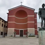 L'ultimo abbraccio a Marzia Fernandes questo pomeriggio a Piazza Roma