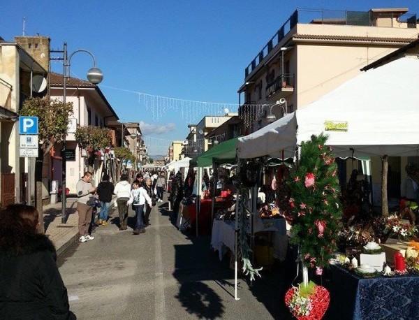 Nuovo mercatino in piazza roma news di aprilia in - Mercatino usato aprilia ...
