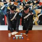 50enne sorpreso con 60 dosi di cocaina in casa