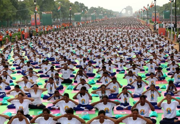 International Yoga Day: due primati Guinness