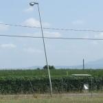 Illuminazione pubblica, tre pali danneggiati da ignoti
