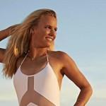 Caroline Wozniacki per SI Swimsuit