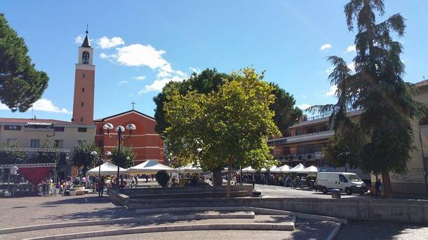 Aprilia Piazza Roma (2)