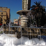 Lo scherzetto a Latina: schiuma in piazza