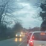 Incidenti a catena sulla Nettunense: ferito un motociclista