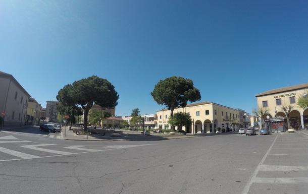 piazza roma aprilia centro