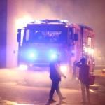 Veicolo pubblicitario in fiamme in Via Monteverdi