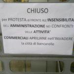 E' protesta contro le bancarelle di San Michele
