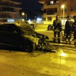 Auto in fiamme a Via Piemonte