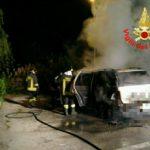 Auto in fiamme a Via Londra: si ipotizza il dolo