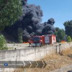 Rischio nube tossica dall'incendio sulla Pontina