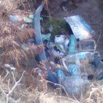 Gli incivili colpiscono ancora: la pineta La Campana piena di immondizia