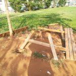 Vandali al parco di Via Francia, distrutto un tavolo