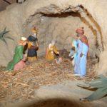 """Natale apriliano, viaggio tra i presepi della biblioteca """"Manzù"""""""