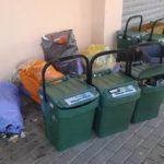 Ancora problemi con i rifiuti lasciati davanti i portoni delle case