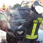 Auto in fiamme a Via Tiberio, nessun ferito