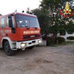 Incendio tra Aprilia e Lanuvio: brucia una discarica su un terreno privato.