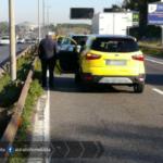 Incidente sulla Pontina tra due auto, code all'altezza del GRA