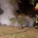 Auto in fiamme ad Aprilia, nessun ferito