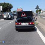 Auto in panne sulla Pontina, prestare attenzione nei pressi di Castel di Decima