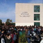 Ritardi nei lavori, al Liceo Meucci riparte la protesta degli studenti