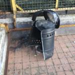 Cestino porta rifiuti distrutto da un petardo, la segnalazione del comitato di quartiere
