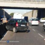 Incidente sulla Pontina all'altezza di Pomezia, si circola su una sola corsia