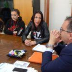 """Terra riceve Sisterhood, finalista nel campionato europeo """"Vivi tu sueño""""."""